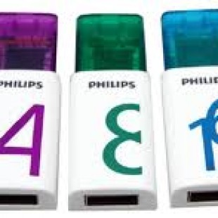 Philips 32GB Eject Edition 2.0 flash drive for better storage